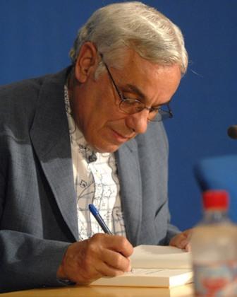El escritor Luis León Barreto nos invita a la presentación de la primera novela sobre el carnaval más original de Canarias