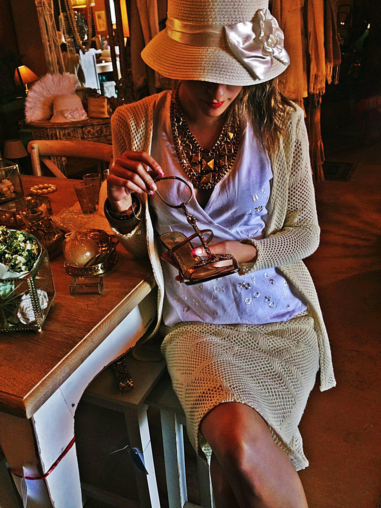 Vestidos y complementos como este puedes encontrarlos en la tienda Tarecos (Villa de Mazo).
