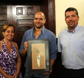 Victor Jaubert dona el dibujo del cartel de Indianos 2014 a Santa Cruz de La Palma