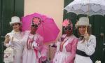 Indianas de paseo con sus doncellas Foto Movil Maria del Mar Rguez Diz