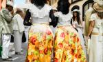 Con faldas y a lo loco Foto Movil Fernando Perez Moreno
